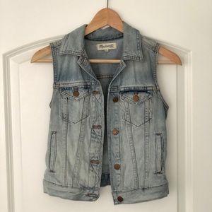 Madewell Jackets & Coats - Madewell light denim vest XXS